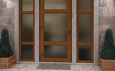 Стоит ли устанавливать металлопластиковую входную дверь в частном доме?