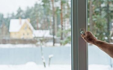 Почему пластиковые окна пропускают холод?